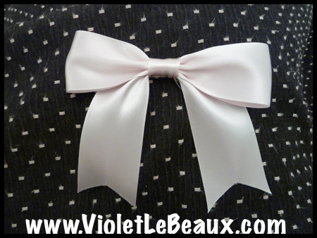 How To Make Simple Ribbon Bows ^_^