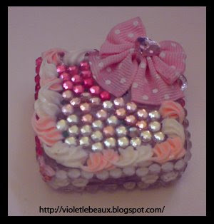 Decoden Pill Box