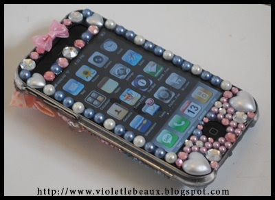 Meet Ruri the decoden iphone 3g case…